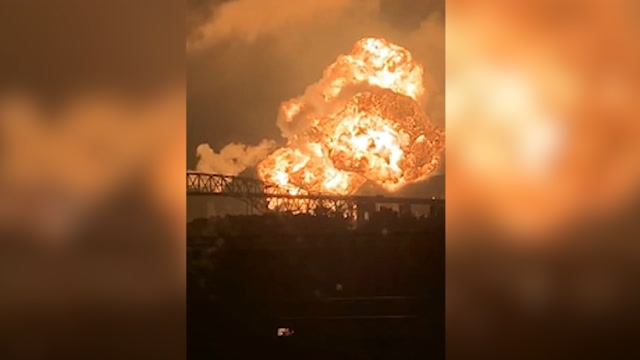 'Massive fireball': Fire rips through Philadelphia refinery after explosions