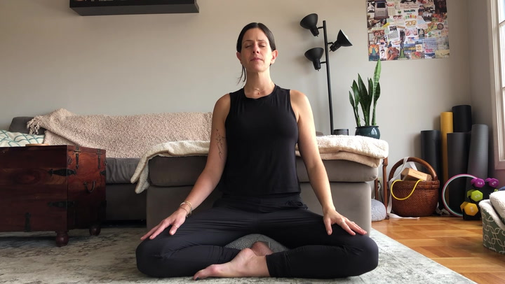 Stand in Your Own Power with this 8-Minute Guided Meditation
