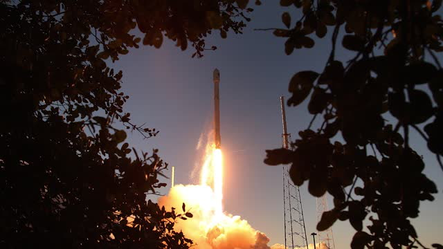 Elon Musk's Mission to Put WiFi on the Moon! 3 Things To Know Today.