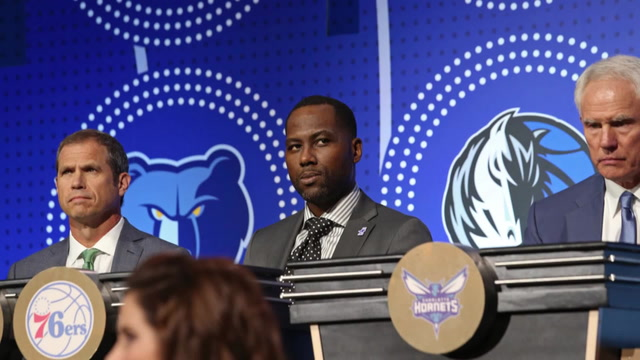 Shams Charania: 76ers Hire Elton Brand as General Manager