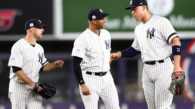 Yankees outfielder Aaron Hicks shows you how he gets ready for the ALCS