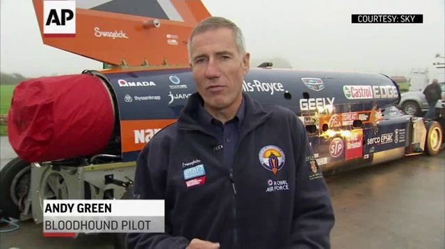 Supersonic Car Makes First Test Run in UK