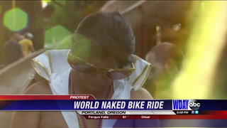 Many bicyclists take to the streets in the nude