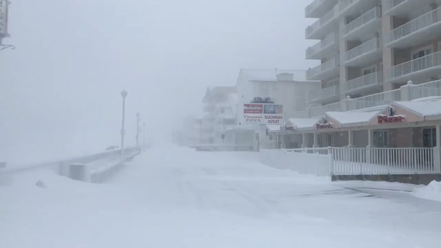 'Bomb cyclone' lashes Ocean City, Md.