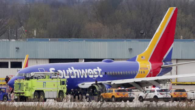 Southwest Airline's Badass Pilot Saves 144 Passengers. 3 Things to Know Today.