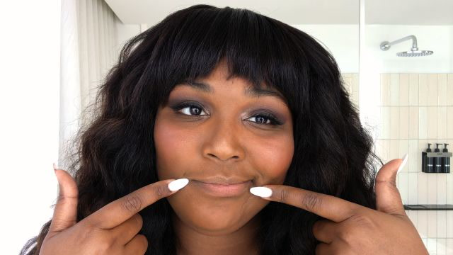 Watch Rapper Lizzo Get Ready for a Night Out
