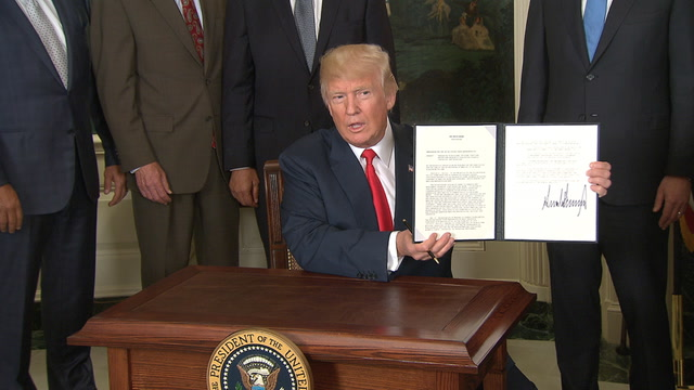 Trump signs a memorandum on Chinese trade practices