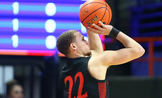 Malachi Flynn Caps Off No. 4 San Diego State's Win With a Deep Shot