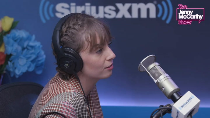 Stranger Things' Maya Hawke Admits Parents Ethan Hawke and Uma Thurman Can Be 'Rigorous': They 'Don't BS Me'