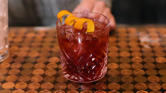 How To Make A Highland Count Cocktail