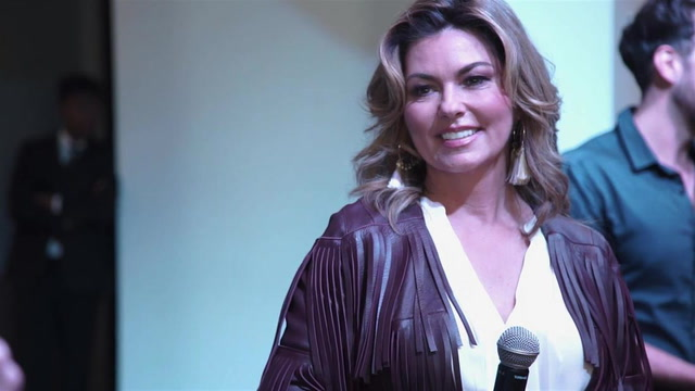 Shania Twain Reminisces About Writing Britney Spears��� Don't Let Me Be The Last To Know