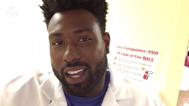 Tennessee Titans tight end Delaine Walker plays dentist for the day | PROcast