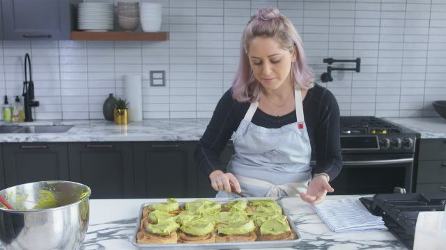How To Master Matcha Glazed Cinnamon Rolls Like A Pro