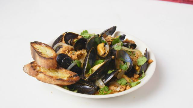 Beer-Steamed Mussels with Chorizo