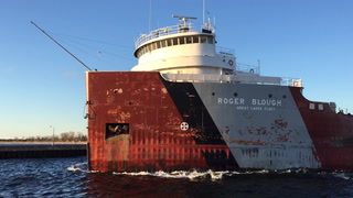 First freighter of the season leaves Duluth