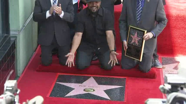 Cube thanks Dre at Hollywood star ceremony