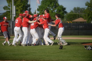 Bauman, Cardinals win Section 6AAA final and celebrate