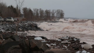 High winds create large waves on Lake Superior